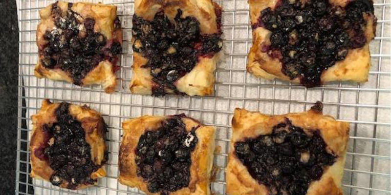 Blueberry Puff Pastry Mini Pies